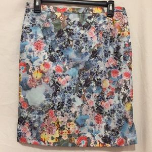 H&M ladies floral multi color pencil skirt Size 10